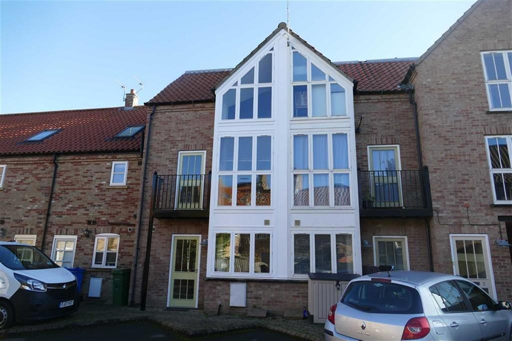 3 Bedrooms Town House for sale in Masons Yard, Market Weighton