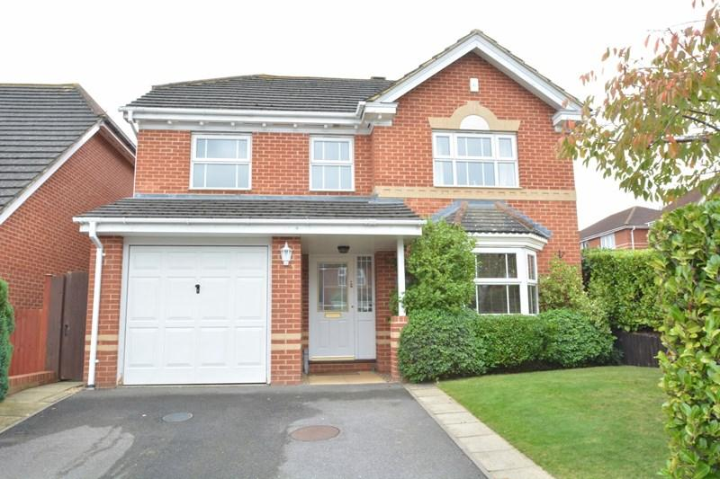 4 Bedrooms Detached House for sale in Jutland Crescent, Andover