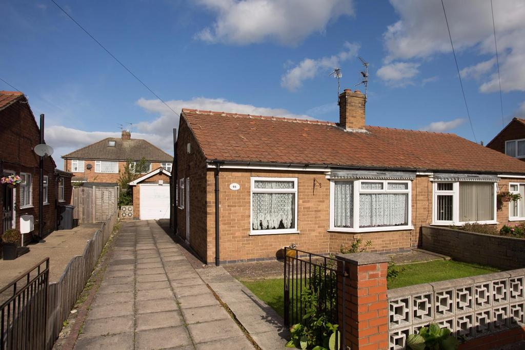 2 Bedrooms Bungalow for sale in Whitethorn Close, Huntington, York
