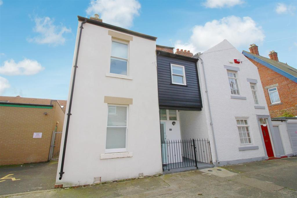 4 Bedrooms Terraced House for sale in Back Prudhoe Terrace, Tynemouth