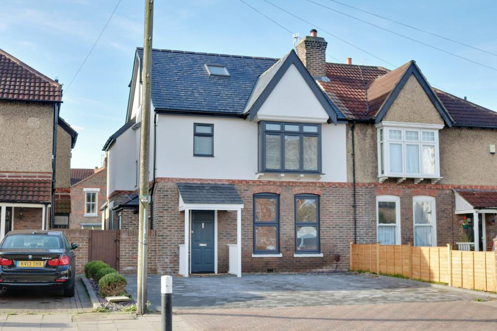 5 Bedrooms Semi Detached House for sale in Goldsmith Avenue, Southsea