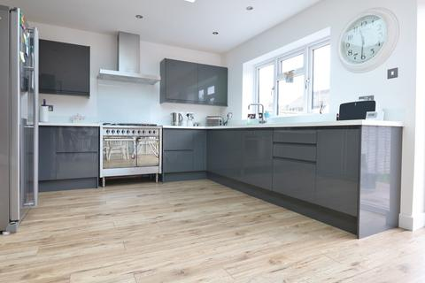 5 bedroom semi-detached house for sale - Goldsmith Avenue, Southsea