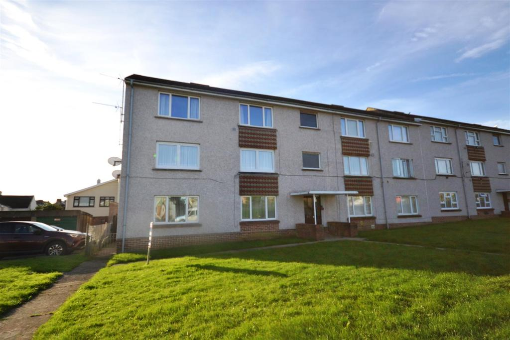 2 Bedrooms Apartment Flat for sale in Observatory Avenue, Hakin, Milford Haven