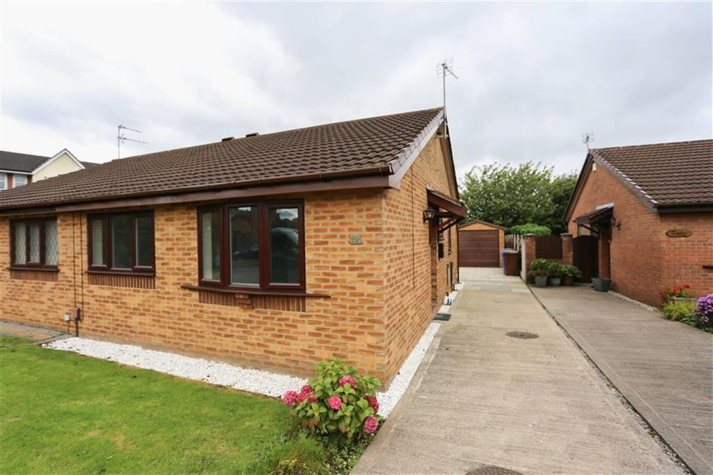 2 Bedrooms Semi Detached Bungalow for sale in Kerridge Drive, Bredbury, Cheshire