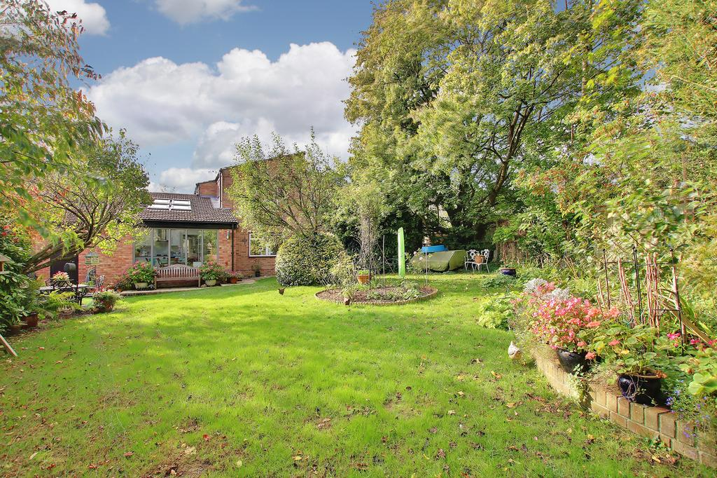 4 Bedrooms Detached House for sale in Oliver's Battery, Winchester