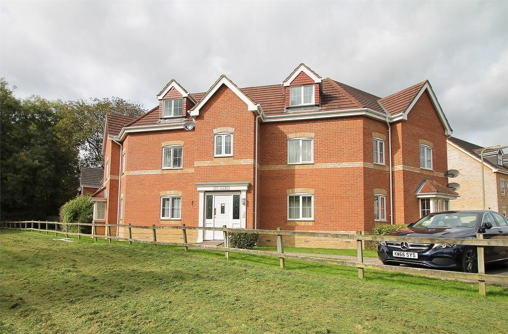 2 Bedrooms Flat for sale in Ivy Court, Oak Coppice Road, Whiteley, Hampshire