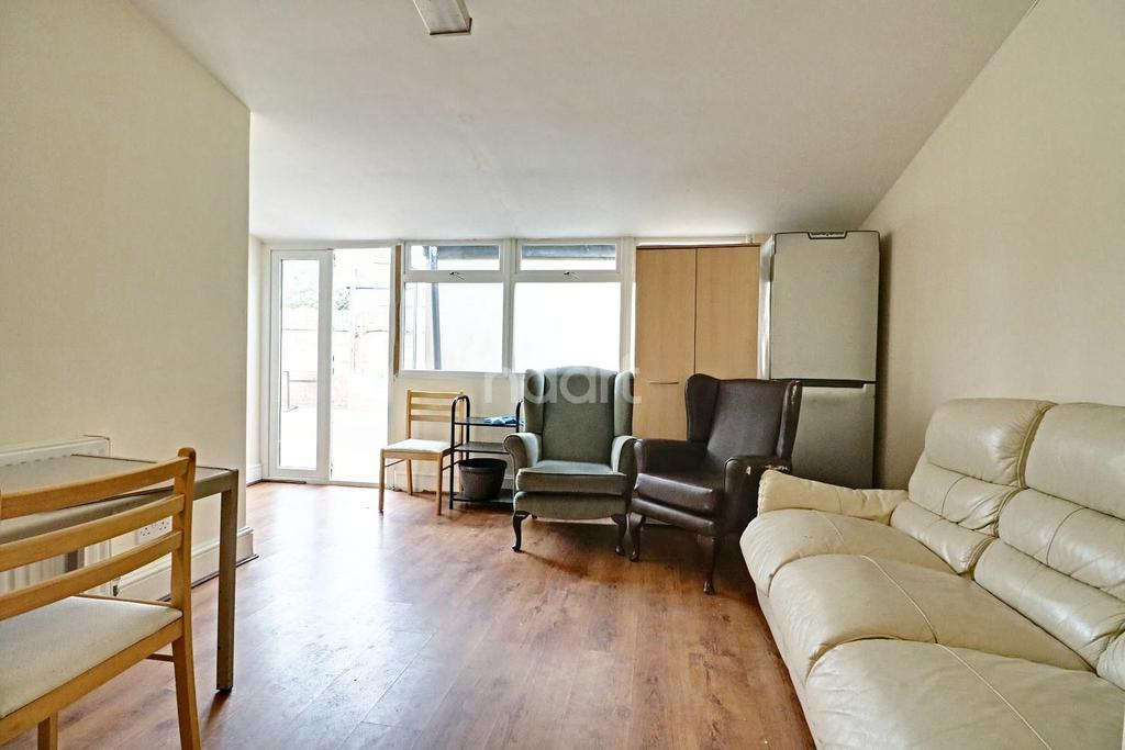 3 Bedrooms End Of Terrace House for sale in Morris Avenue, East Ham