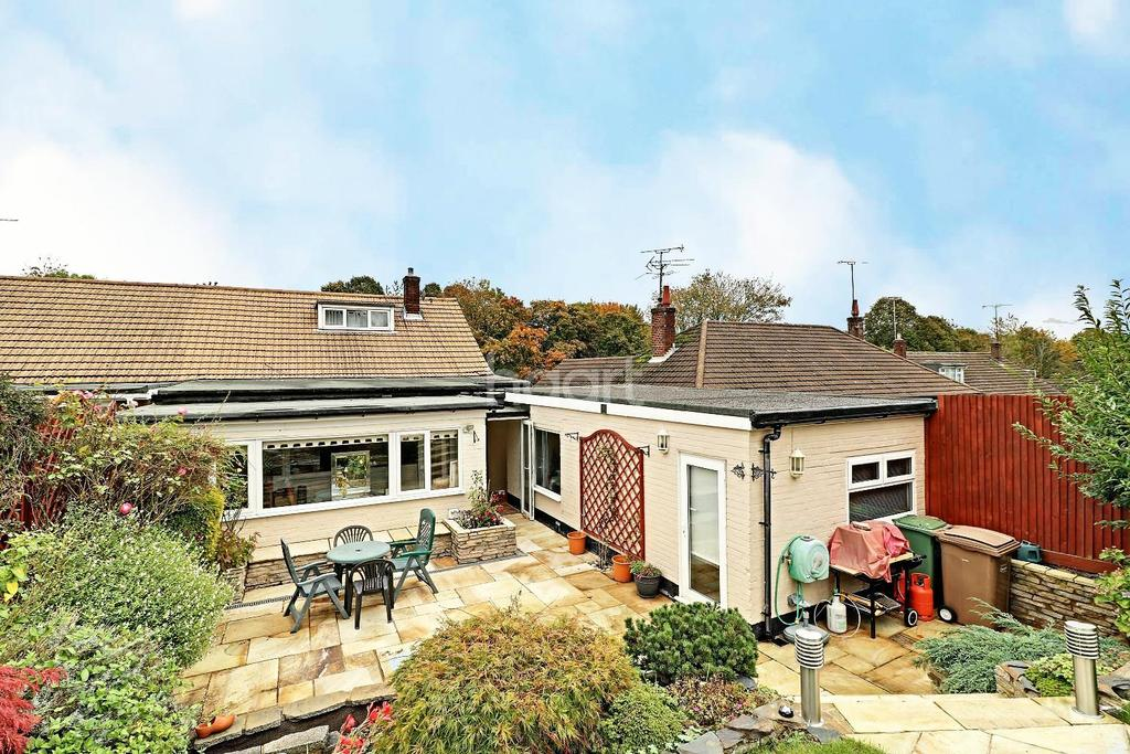 3 Bedrooms Bungalow for sale in Awfully Versatile in St Annes