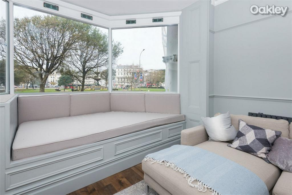 2 Bedrooms Flat for sale in 1825 Residence, Old Steine, Central Brighton