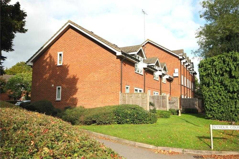 1 Bedroom Flat for sale in Seymour Court, Crowthorne, Berkshire