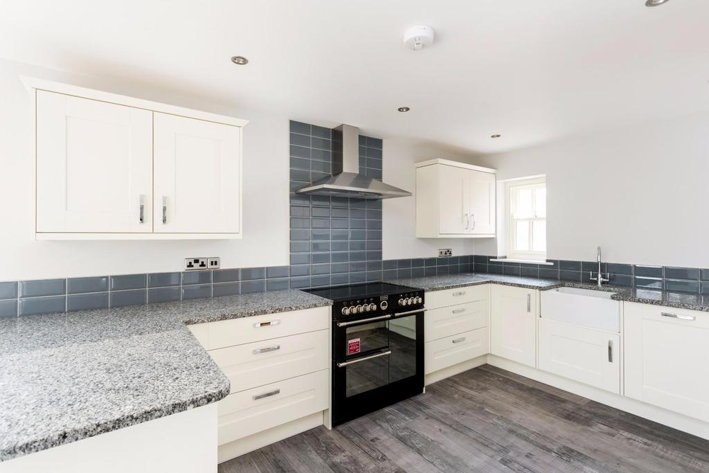 5 Bedrooms House for sale in Dales Court, Stillingfleet, York