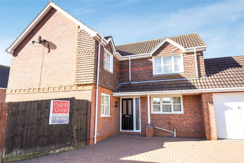 4 Bedrooms Detached House for sale in Bristow Road, Cranwell, NG34