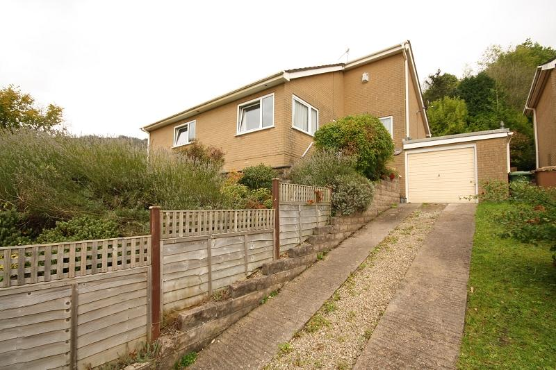 2 Bedrooms Bungalow for sale in Royal Oak , Machen, Caerphilly, Caerphilly. CF83 8SN