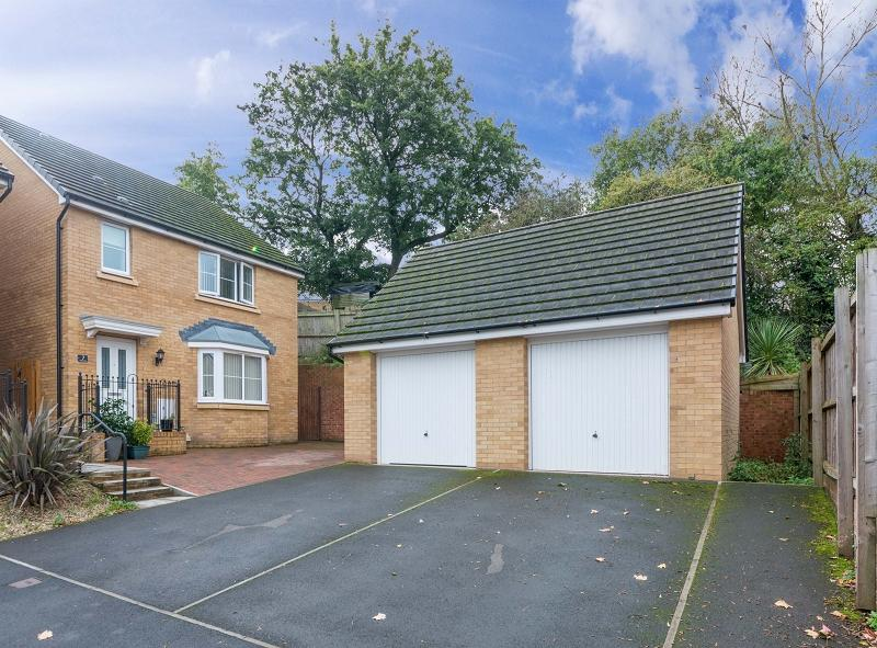 3 Bedrooms Detached House for sale in Westfield Rise, Newport, Newport. NP20 6GA