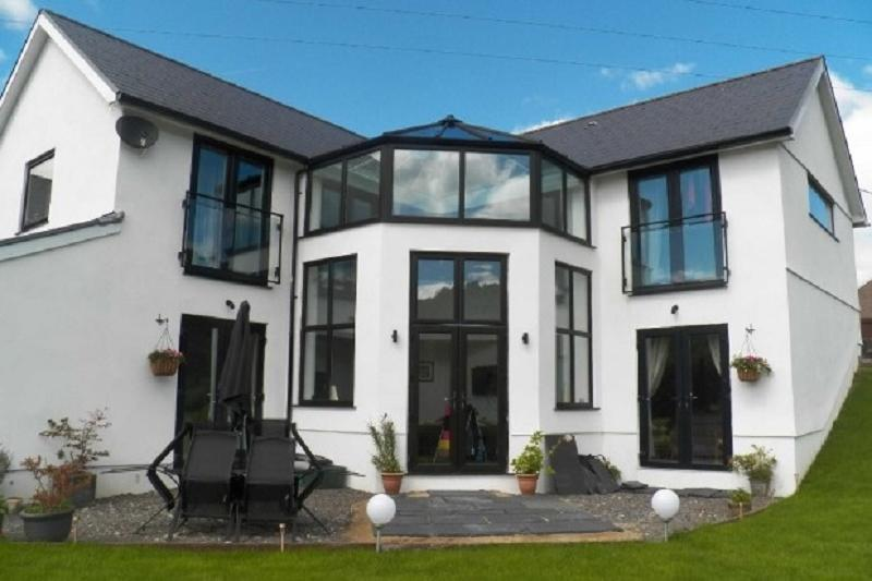 4 Bedrooms Detached House for sale in Gnoll Road, Godrergraig, Swansea.