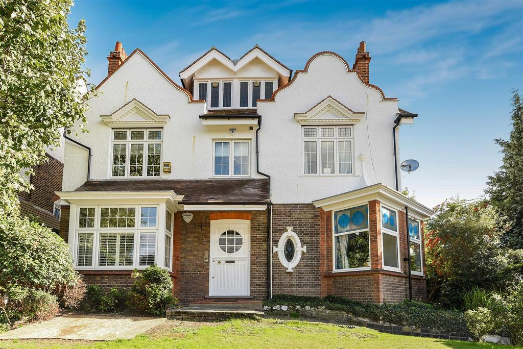 3 Bedrooms Flat for sale in Rodway Road, Roehampton