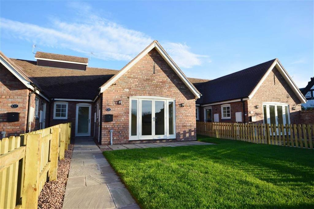 2 Bedrooms Terraced Bungalow for sale in 18, Hamlyn Place, Kingsland, Herefordshire, HR6
