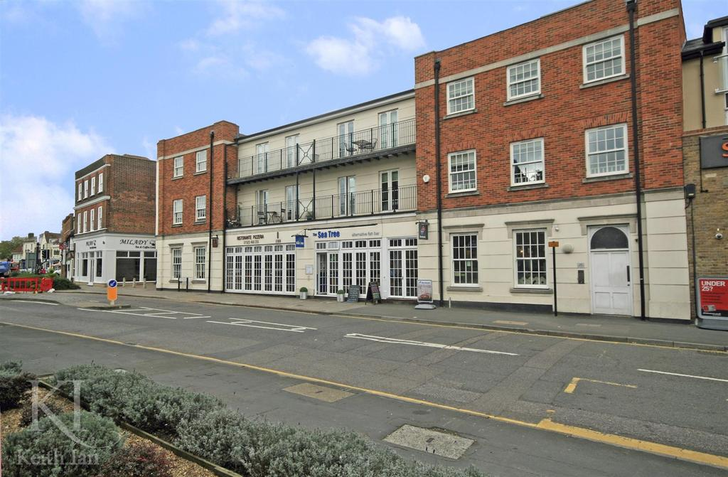 1 Bedroom Apartment Flat for sale in High Street, Ware