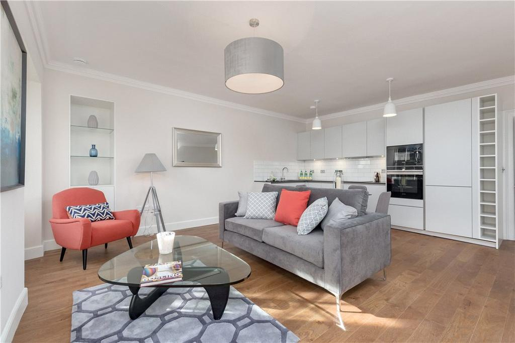 2 Bedrooms Flat for sale in Gayfield Place, Edinburgh, Midlothian, EH7