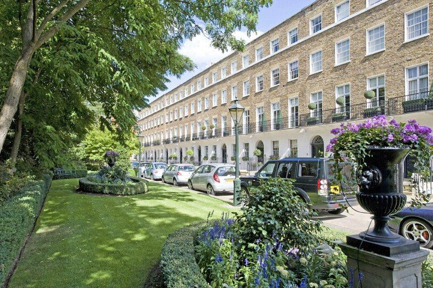 6 Bedrooms Terraced House for sale in Earls Terrace, Kensington, London, W8
