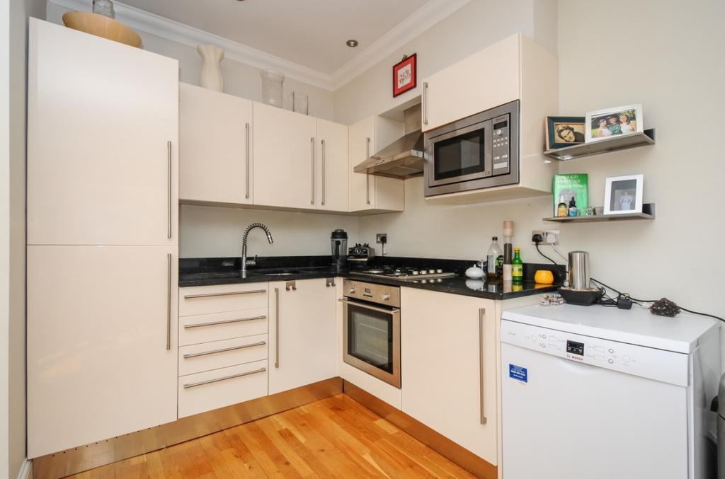 2 Bedrooms Flat for rent in Barnard Hill Muswell Hill N10