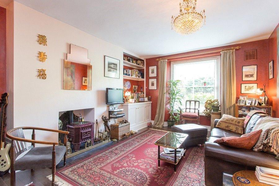 2 Bedrooms Flat for sale in Camden Road, Camden Town, London, NW1