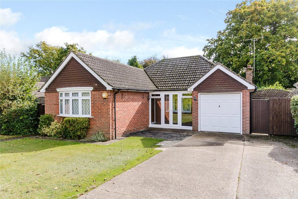 3 Bedrooms Detached Bungalow for sale in Kent Road, Windlesham, Surrey