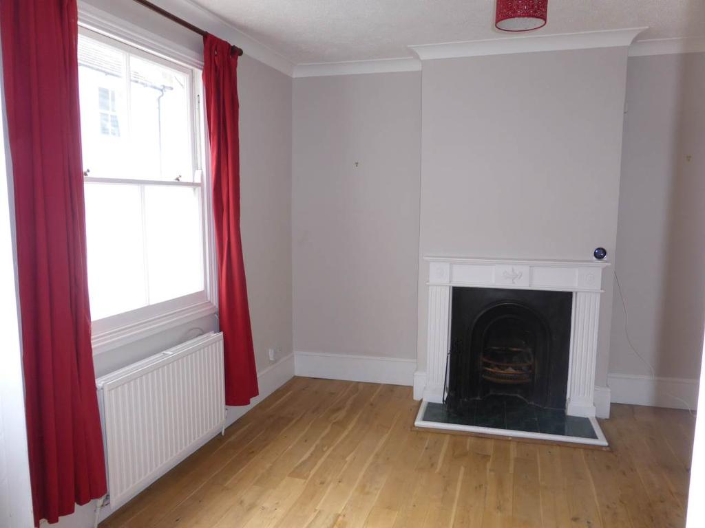 2 Bedrooms House for rent in Queens Gardens, ,