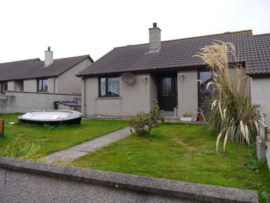 2 Bedrooms Semi Detached Bungalow for sale in 12 Station Square, St Mary's, Holm