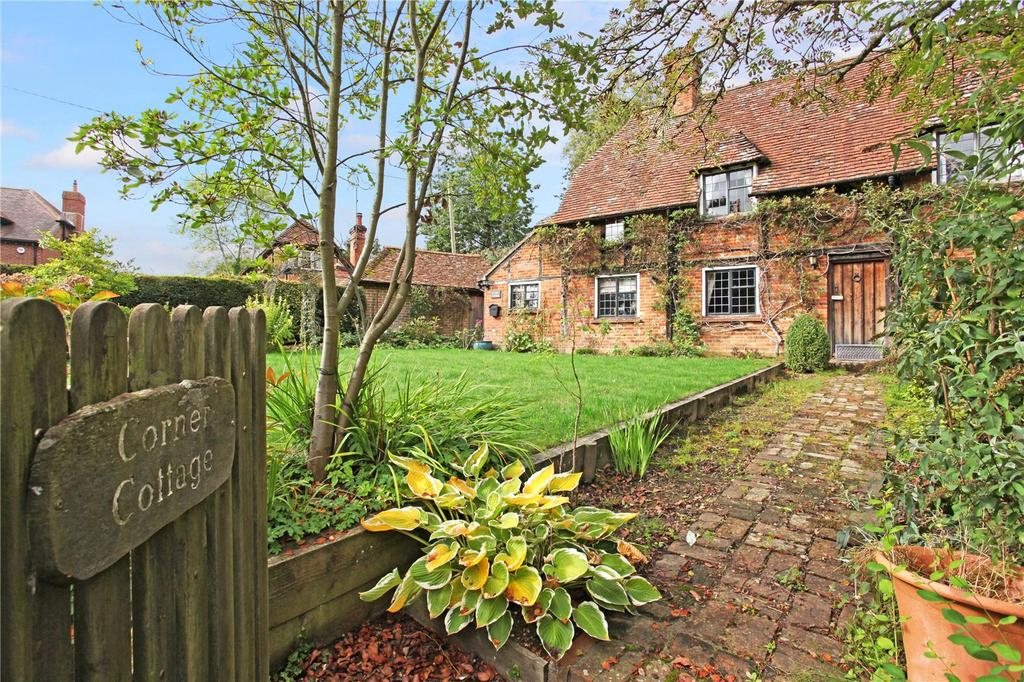 3 Bedrooms Semi Detached House for sale in The Street, Long Sutton, Hook, Hampshire, RG29