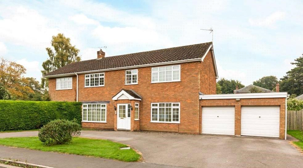 4 Bedrooms Detached House for sale in Grange Close, Canwick, Lincoln, LN4