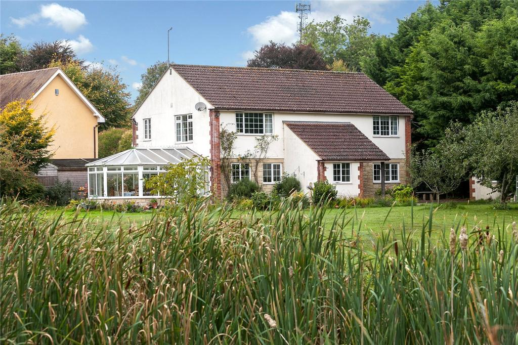 3 Bedrooms Detached House for sale in Warminster Road, Stapleford, Salisbury, Wiltshire, SP3