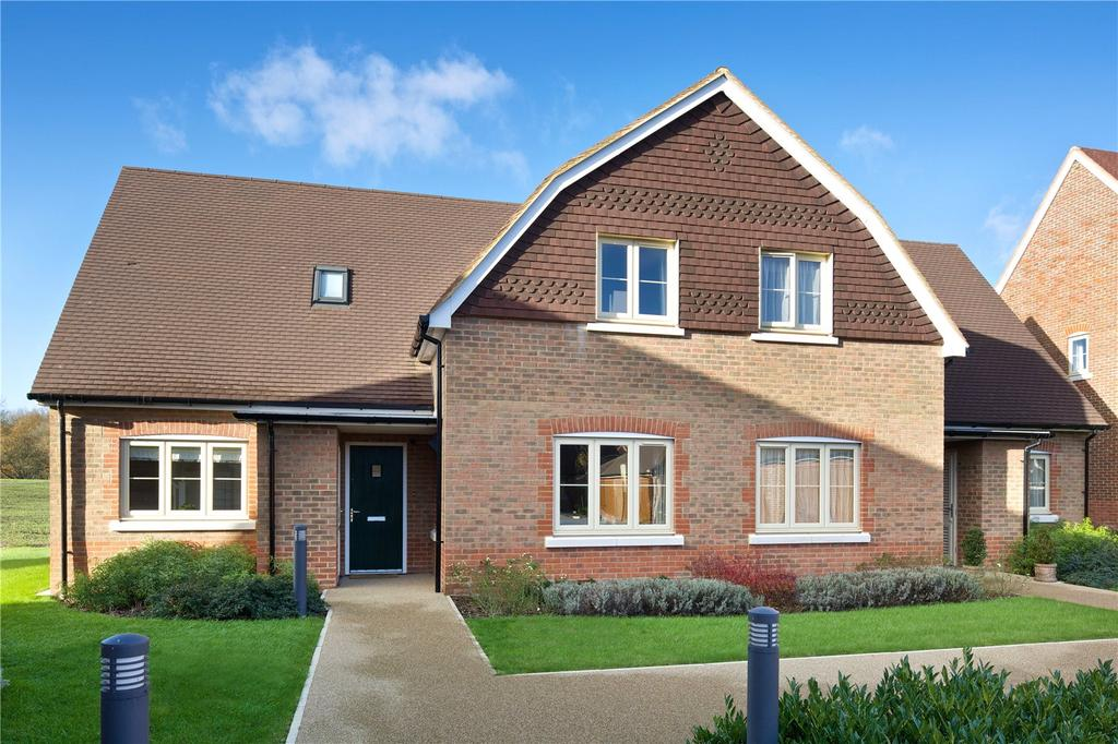 3 Bedrooms Retirement Property for sale in Durrants Village, Faygate Lane, Faygate, Horsham, RH12