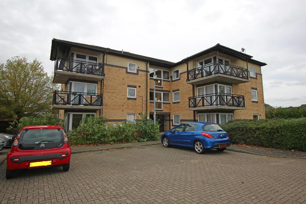 2 Bedrooms Apartment Flat for sale in George Lighton Court, Brittain Way, Stevenage, SG2 8UT