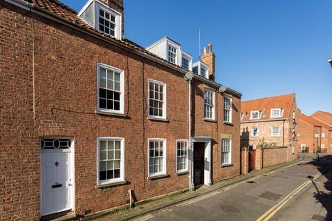 3 bedroom terraced house for sale - Aldwark, York, YO1