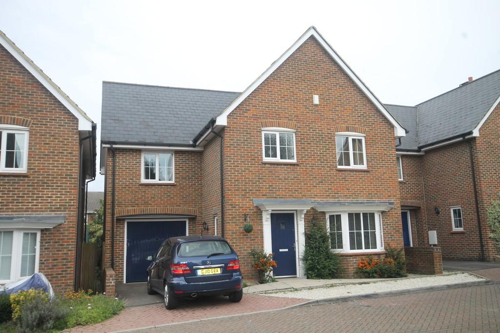 4 Bedrooms Detached House for sale in Oaklands, Maidstone