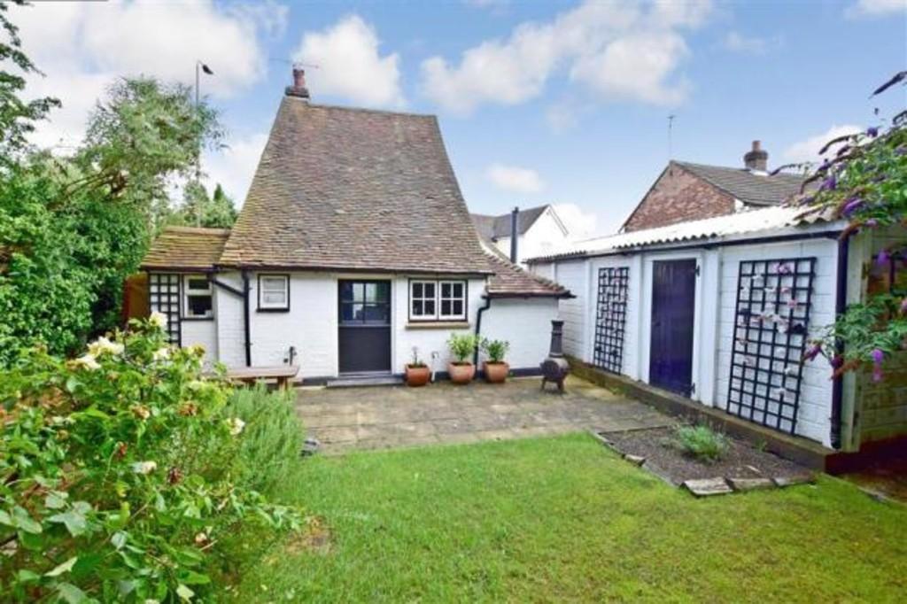 2 Bedrooms Detached House for sale in Five Oak Green Road, Five Oak Green