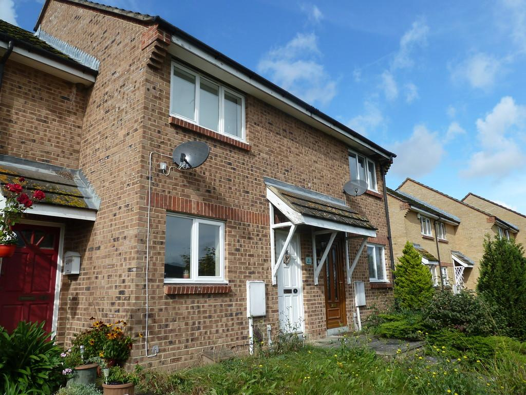 2 Bedrooms Terraced House for sale in Watts Close, Snodland