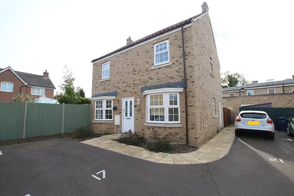 4 Bedrooms Detached House for sale in St. James Close, Chatteris