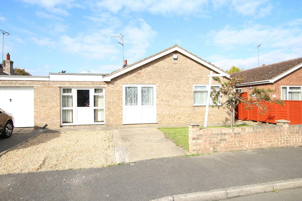 3 Bedrooms Detached Bungalow for sale in Queen Elizabeth Drive, Wisbech