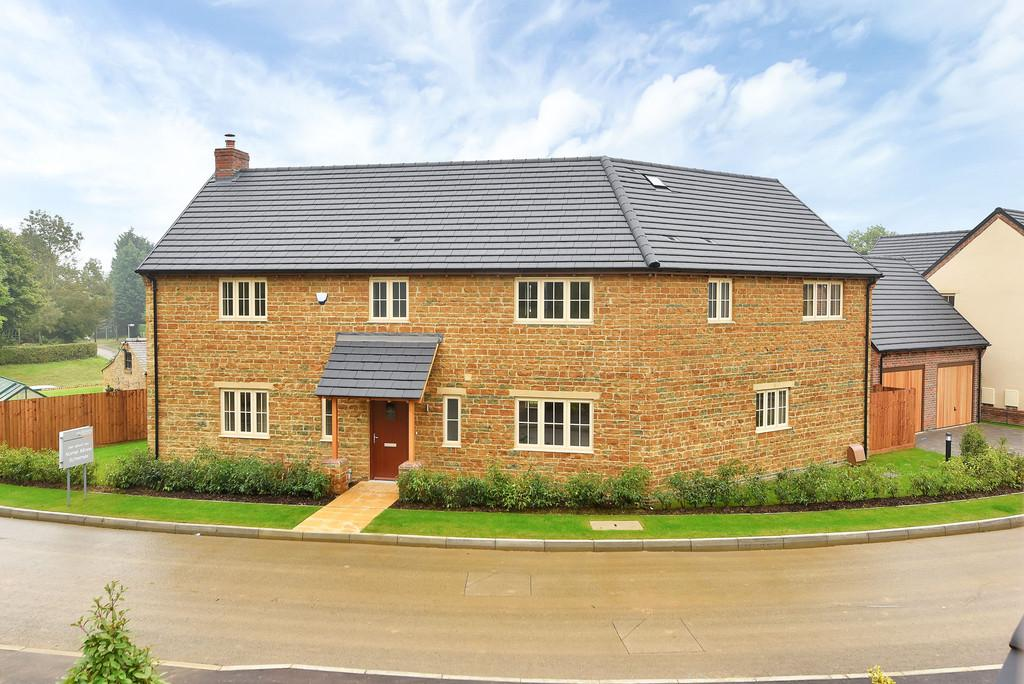 4 Bedrooms Detached House for sale in 3 Stokes Rise, Great Easton