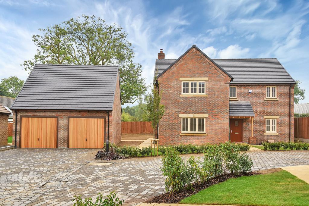 4 Bedrooms Detached House for sale in 7 Stokes Rise, Great Easton