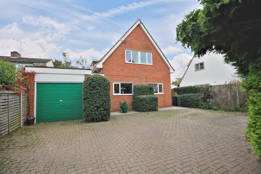 3 Bedrooms Detached House for sale in Waltham Road, Terling, CM3 2QR