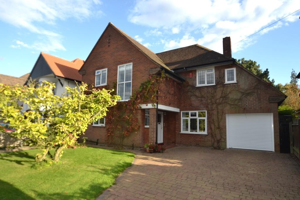 4 Bedrooms Detached House for sale in 38 Cotswold Avenue Ipswich
