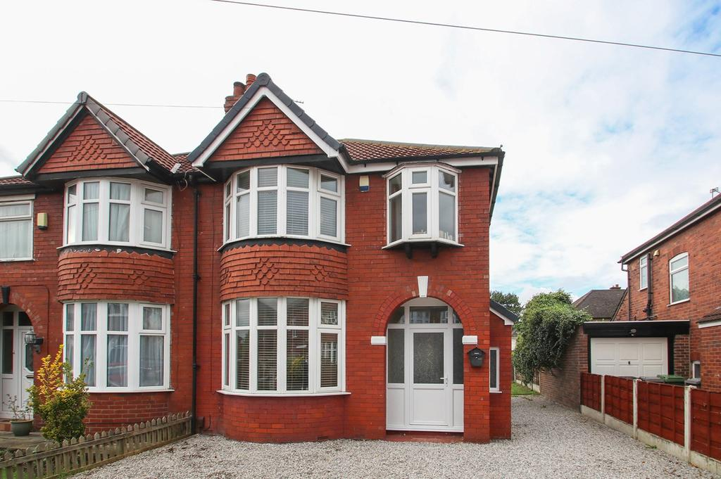 3 Bedrooms Semi Detached House for sale in St Davids Walk, Stretford, Manchester, M32