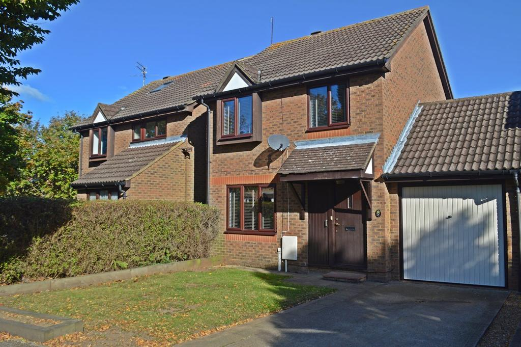 wellington drive welwyn garden city al7 3 bed link detached house