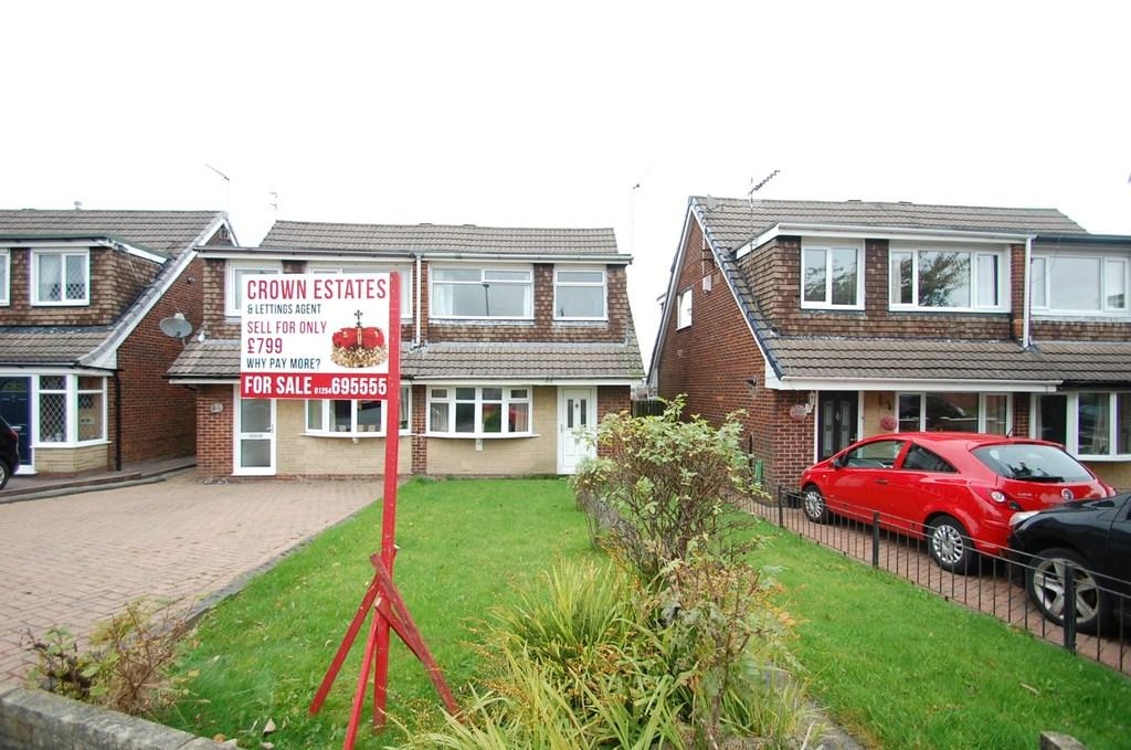 3 Bedrooms Semi Detached House for sale in Dawlish Close, Blackburn