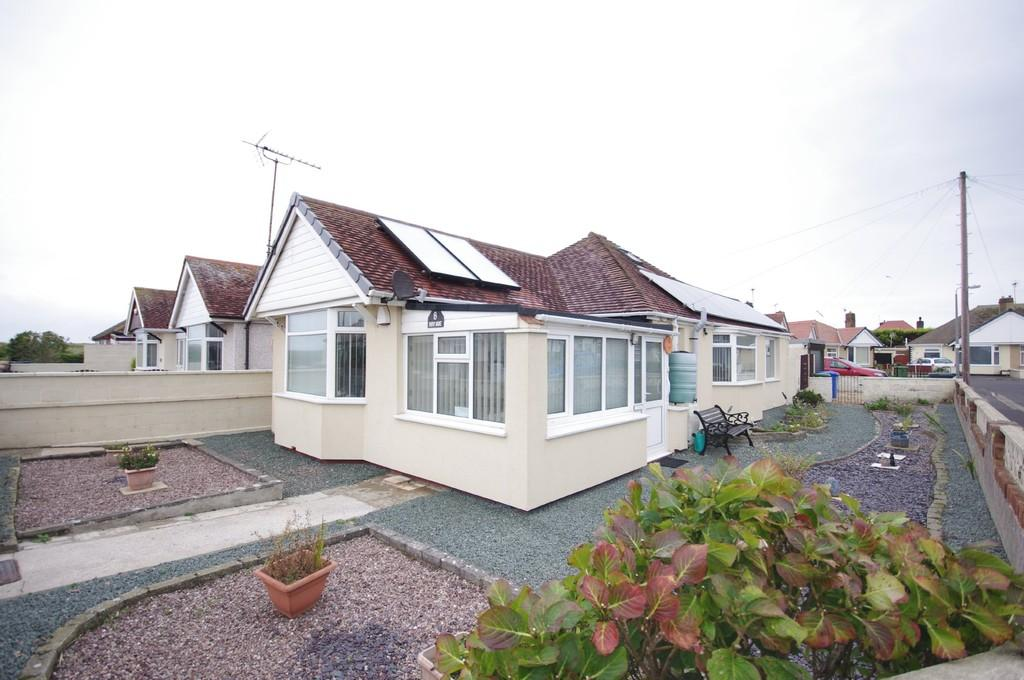 2 Bedrooms Detached Bungalow for sale in Roy Avenue, Prestatyn