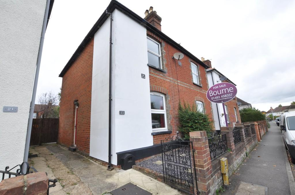 2 Bedrooms Semi Detached House for sale in Grange Road, Guildford