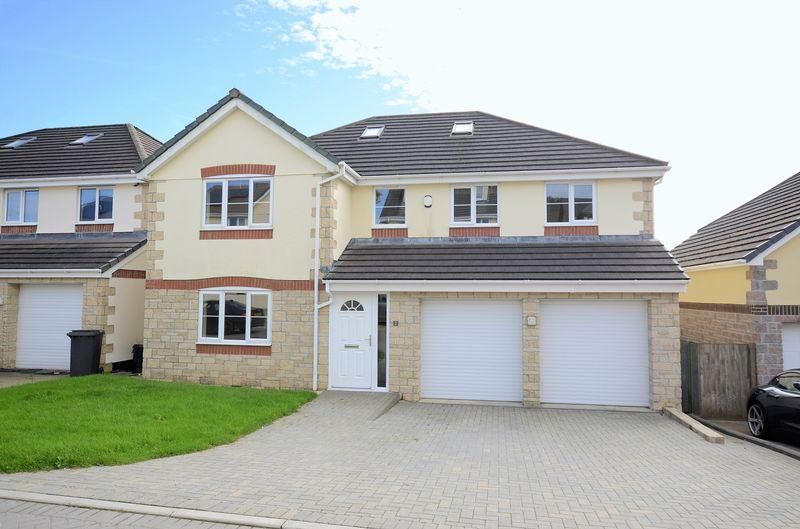 6 Bedrooms Detached House for sale in Well spec'd home in super location with tremendous views!